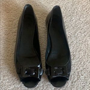 Gucci black open toe flats
